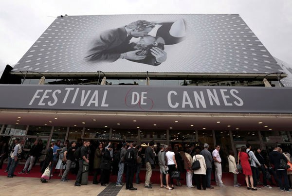 Uploaded Image: /vs-uploads/monarch-at-the-markets/cannes different.jpg